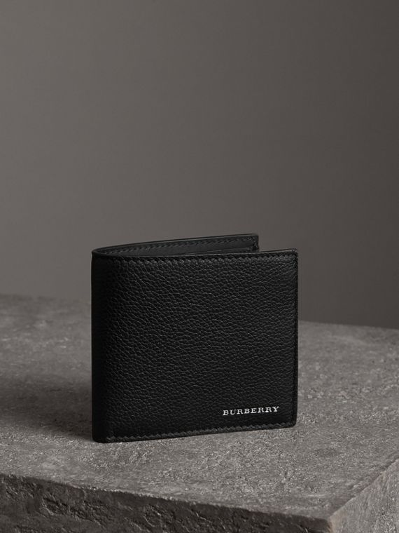 Grainy Leather International Bifold Coin Wallet in Black