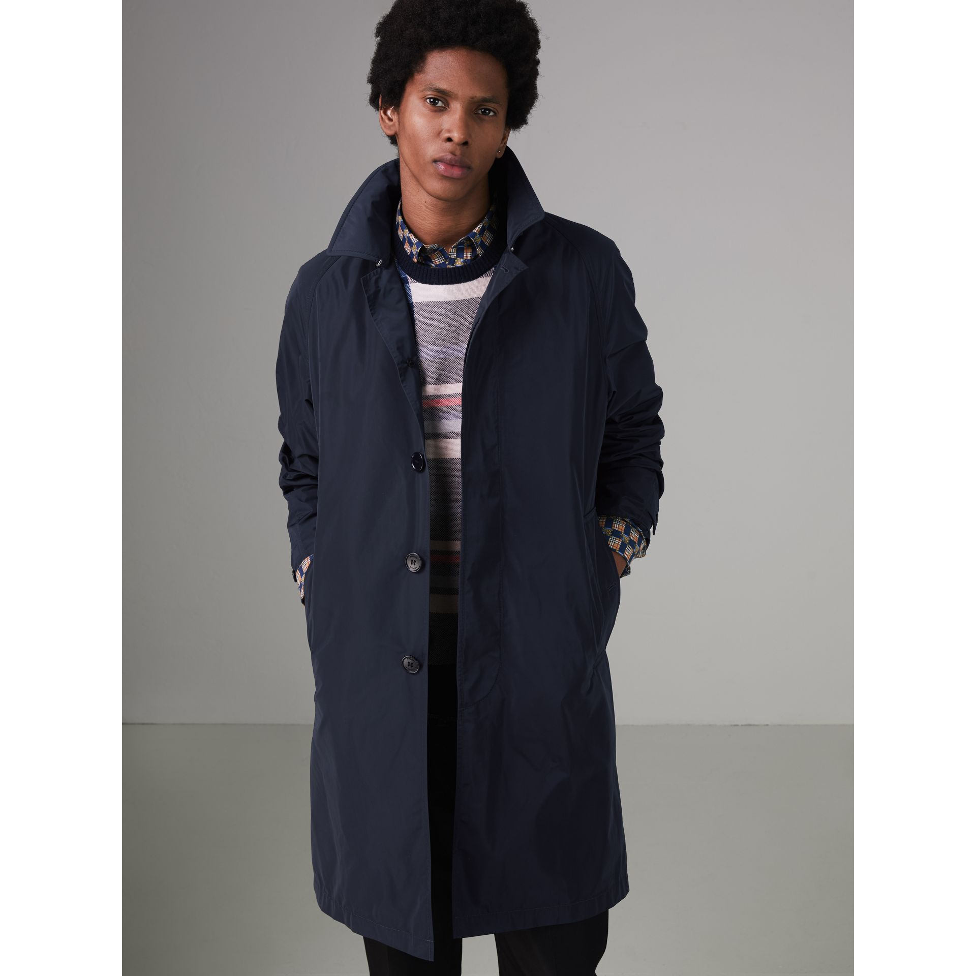 Shape-memory Taffeta Car Coat with Warmer in Navy - Men | Burberry Singapore - gallery image 5