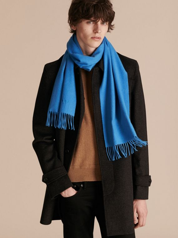 The Classic Cashmere Scarf in Bright Cornflower Blue | Burberry - cell image 3