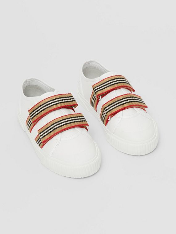 Icon Stripe Detail Leather Sneakers in White