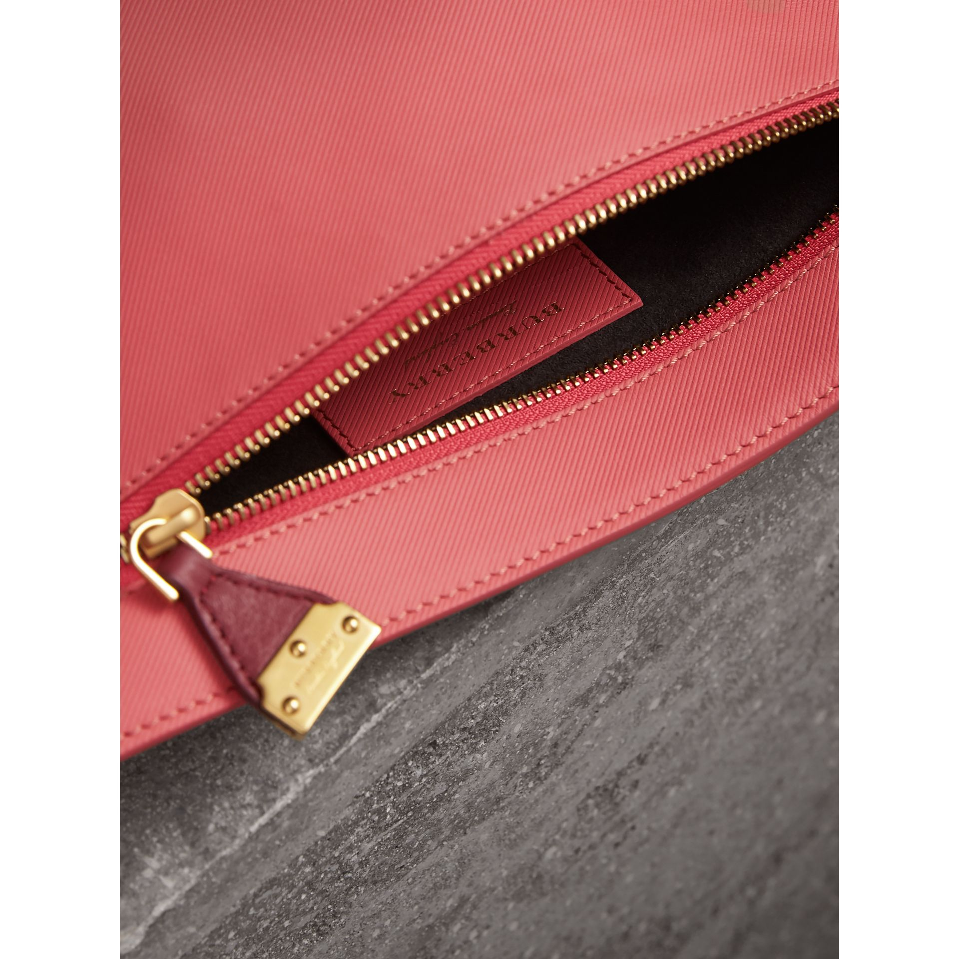 Two-tone Trench Leather Wristlet Pouch in Blossom Pink/antique Red - Women | Burberry United Kingdom - gallery image 6