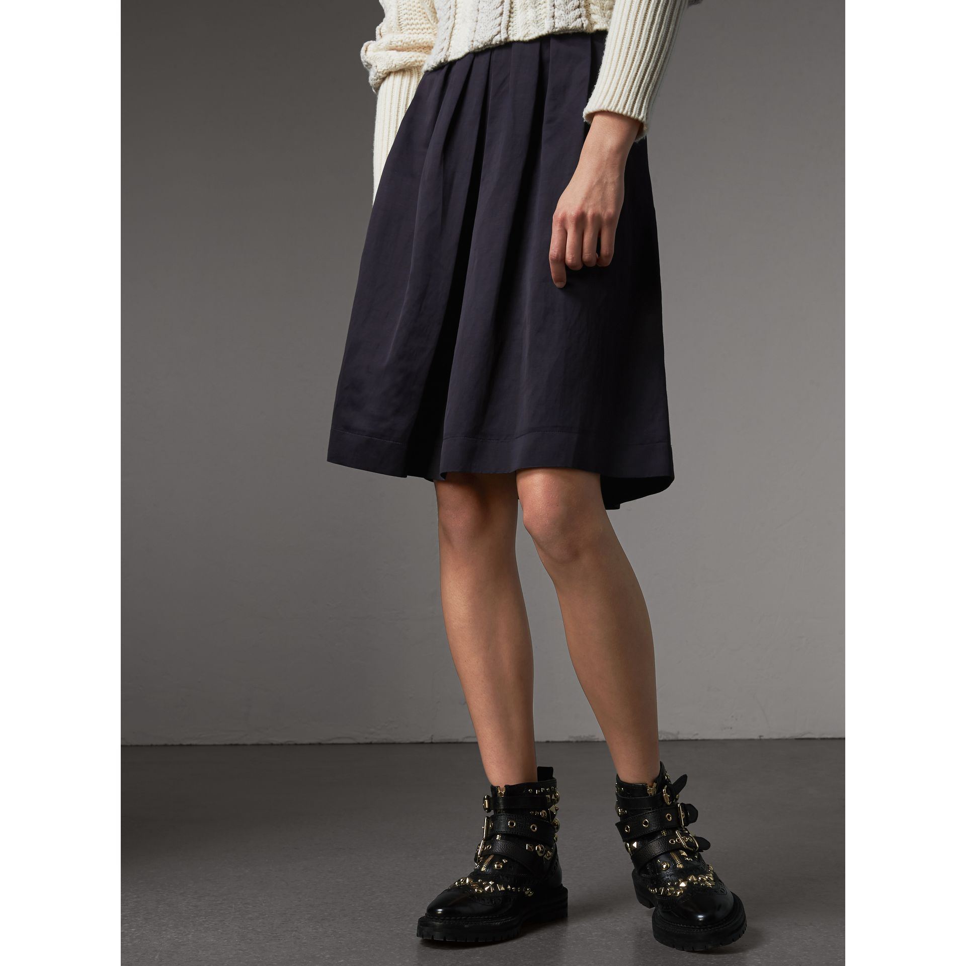 Pleated Linen Cotton Blend Skirt in Navy - Women | Burberry - gallery image 5