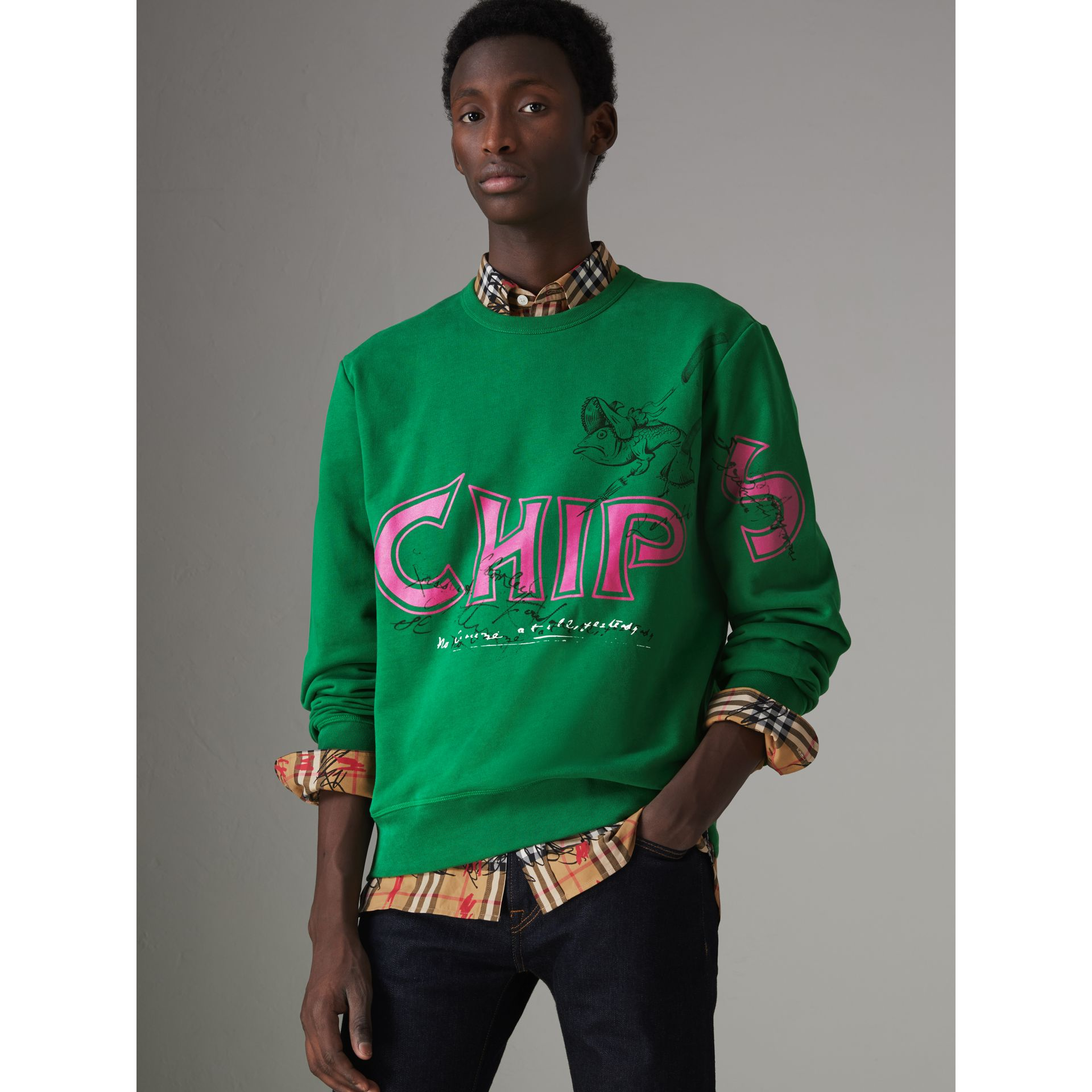 Fish and Chips Print Cotton Sweatshirt in Pigment Green - Men | Burberry - gallery image 4