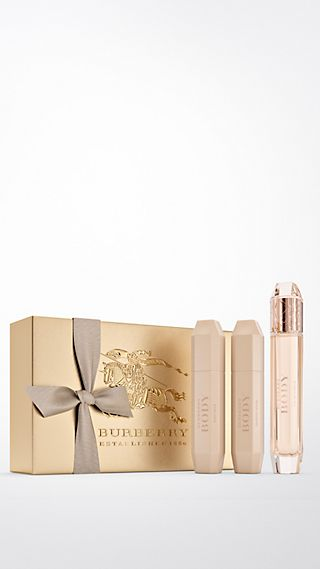 Burberry Body For Women Luxury Set