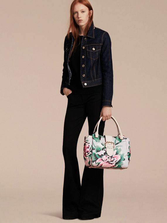 Natural/emerald green The Medium Buckle Tote in Peony Rose Print Leather Natural/emerald Green - cell image 3