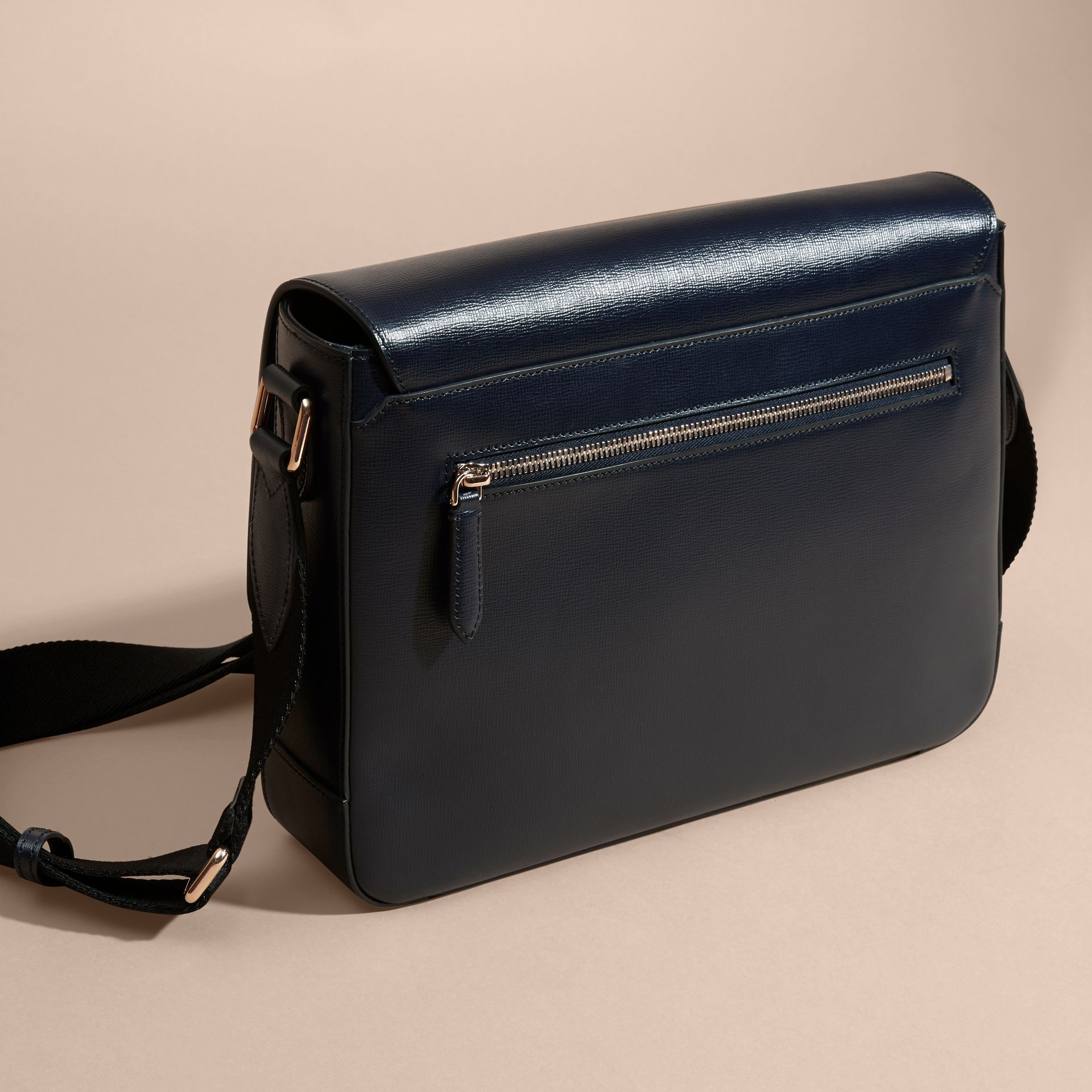 Medium London Leather Messenger Bag Dark Navy - gallery image 4