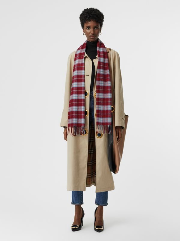The Classic Vintage Check Cashmere Scarf in Damson Pink | Burberry - cell image 2