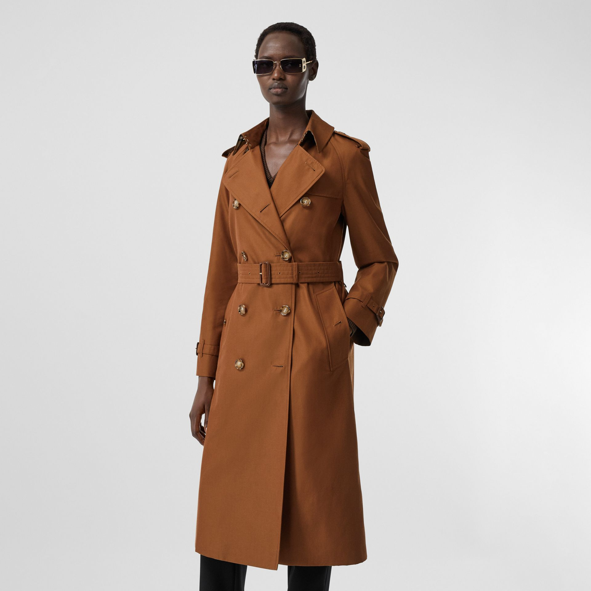 The Waterloo Heritage Trench Coat in Chestnut Brown - Women | Burberry - gallery image 7
