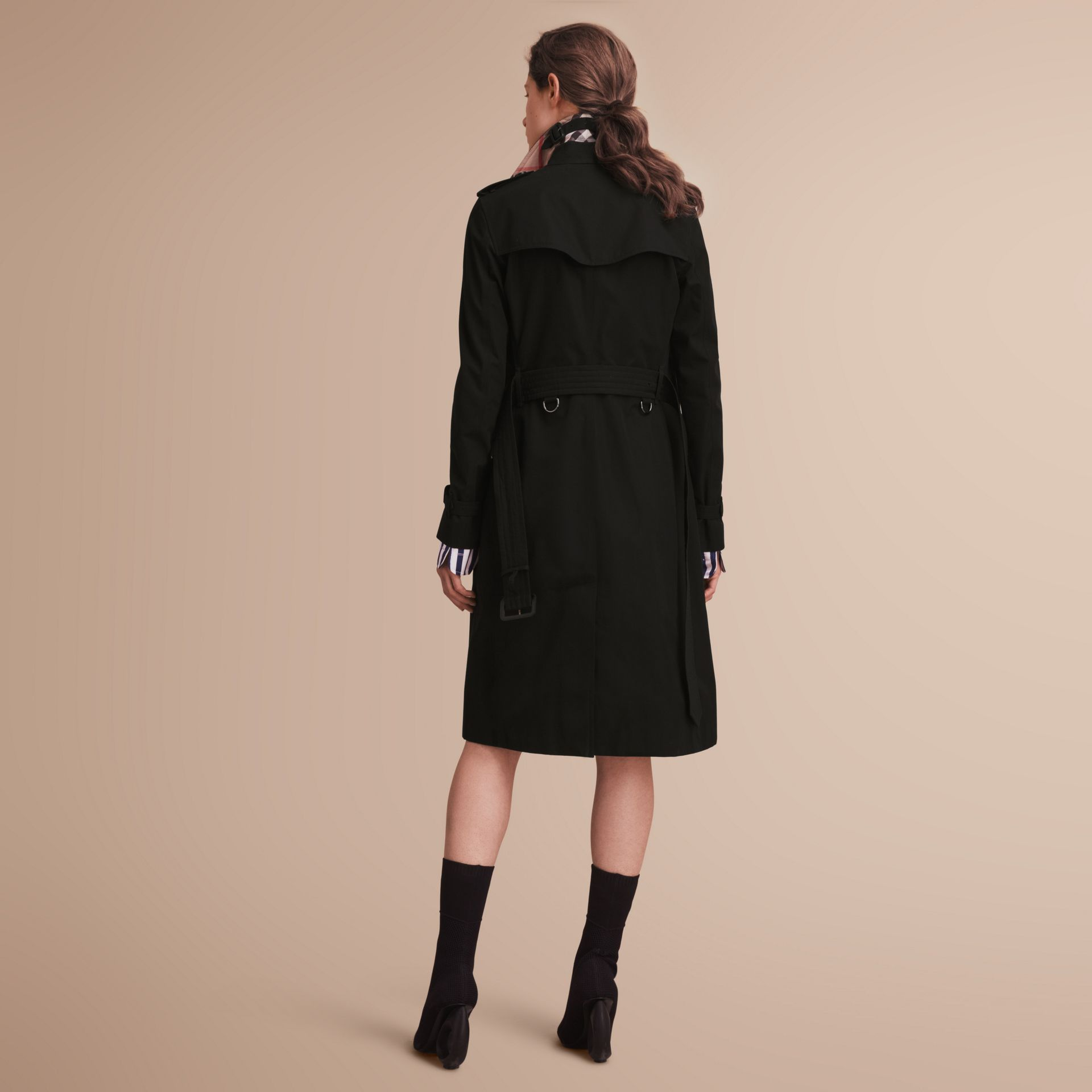 The Kensington – Extra-long Heritage Trench Coat in Black - Women | Burberry - gallery image 3