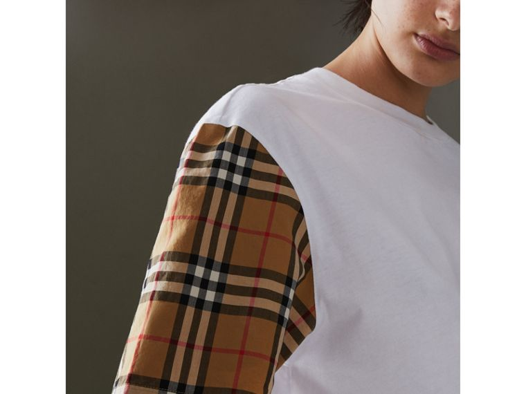 T-shirt in cotone con maniche in Vintage check (Bianco) - Donna | Burberry - cell image 1