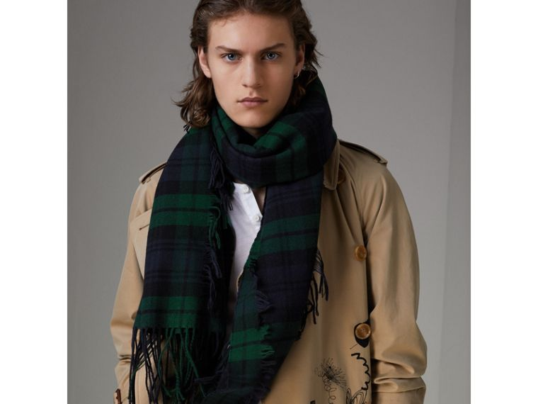 Fil Coupé Tartan Wool Cashmere Scarf in Bright Navy | Burberry - cell image 4