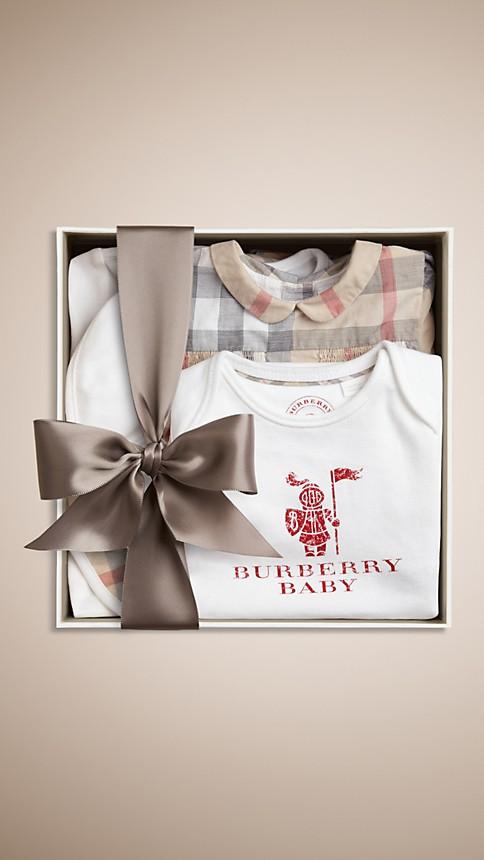 Classic check pâle Set cadeau six pièces pour bébé en coton - Image 2