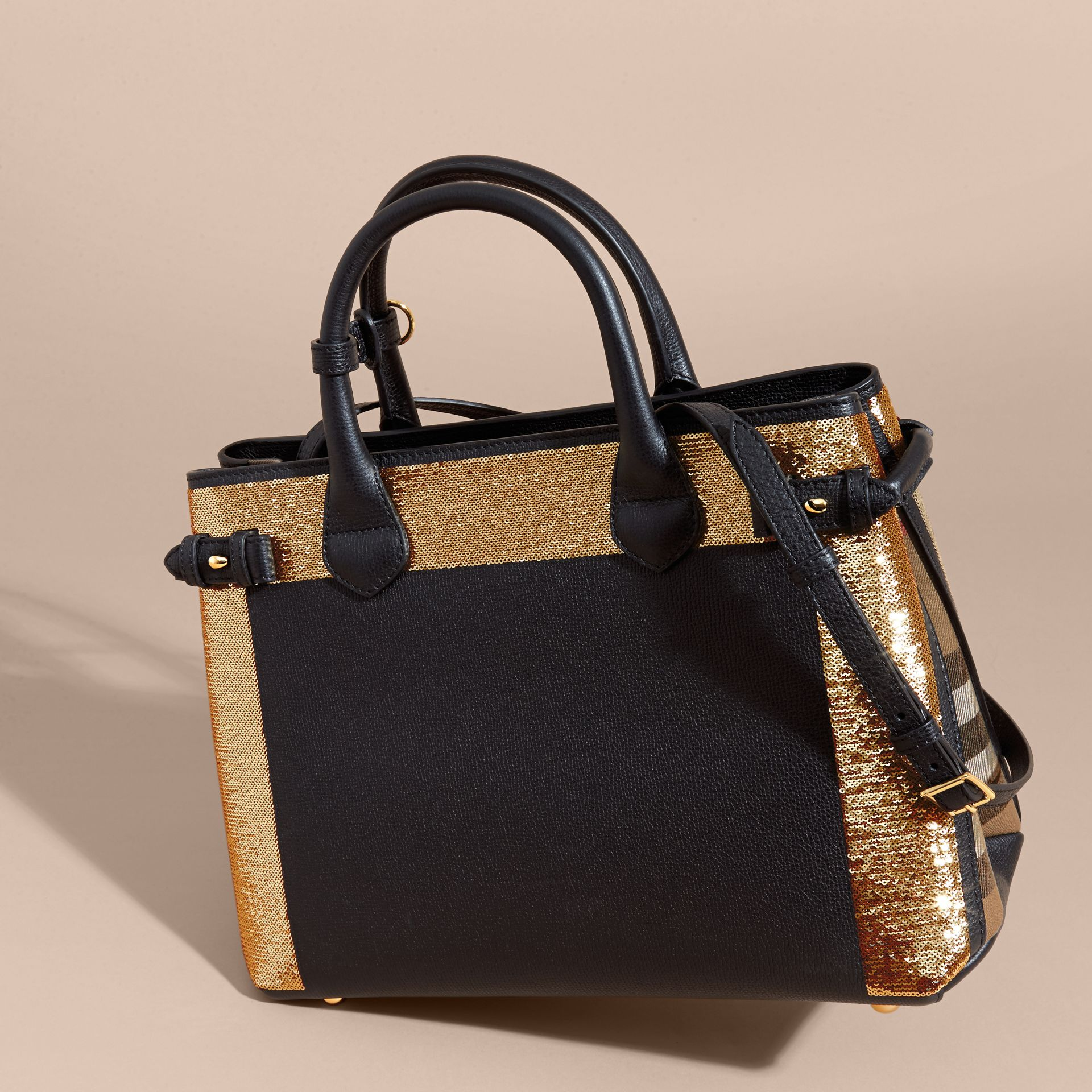 Noir Sac The Banner medium en cuir avec sequins et coton House check - photo de la galerie 5