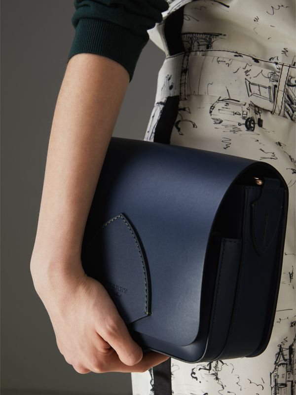 The Satchel media squadrata in pelle (Indaco Medio) - Donna | Burberry - cell image 3