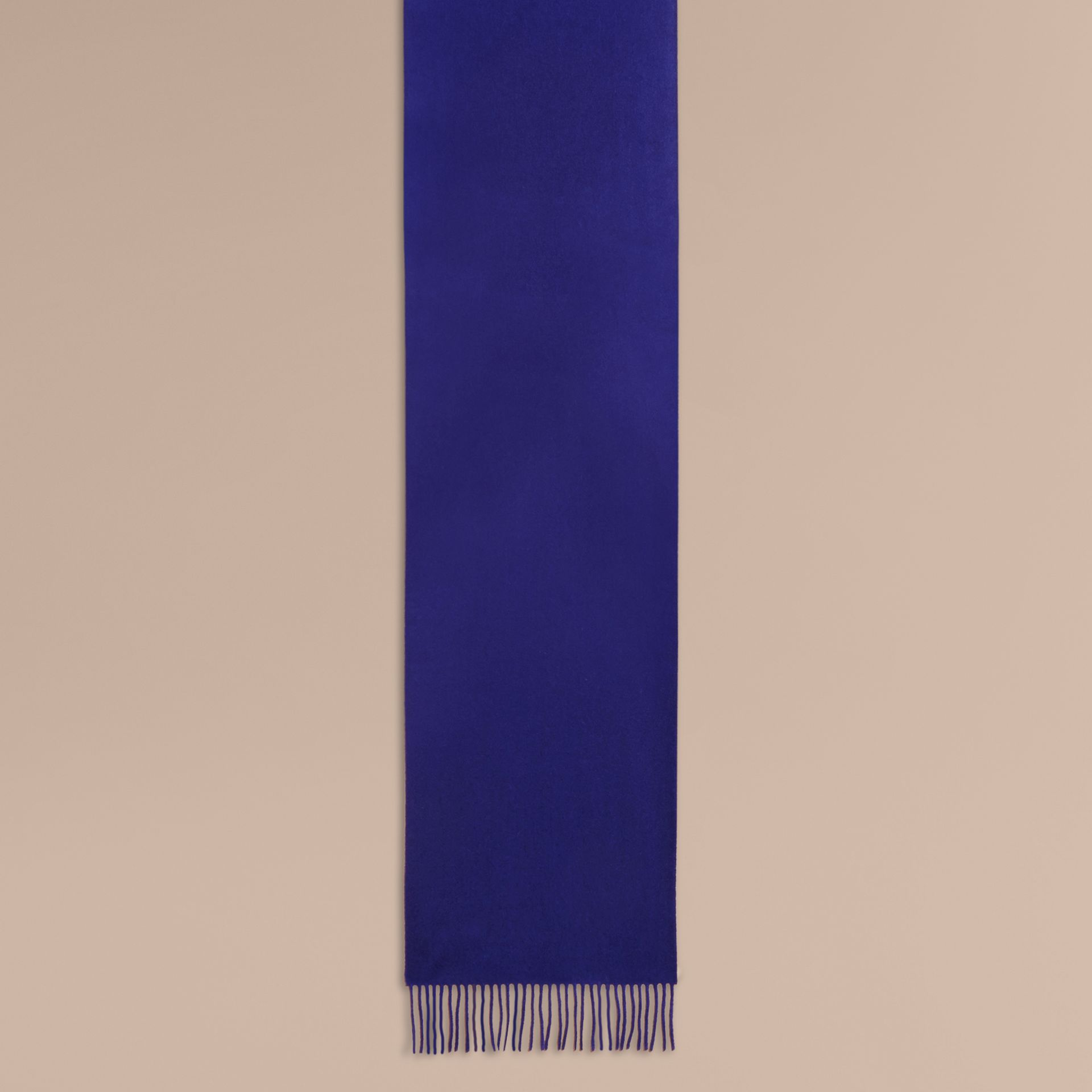 The Classic Cashmere Scarf in Bright Sapphire - Women | Burberry - gallery image 2