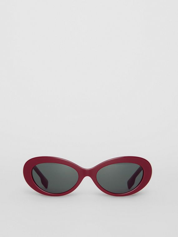 Cat-eye Frame Sunglasses in Burgundy
