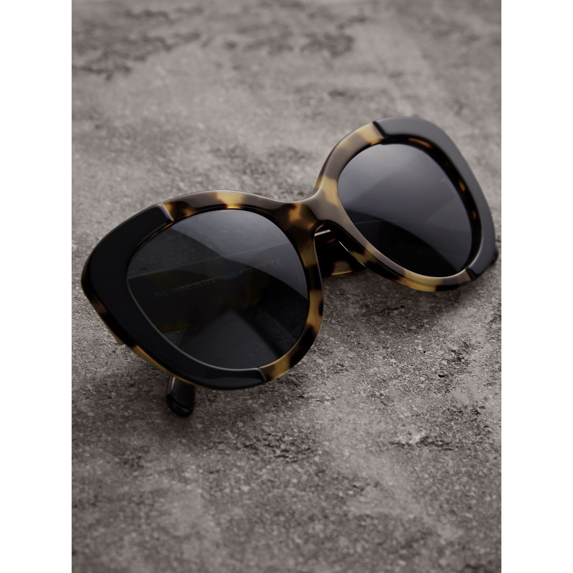 Round Frame Sunglasses in Black - Women | Burberry - gallery image 3