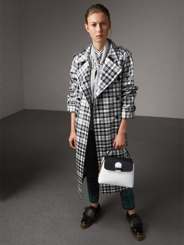 Small Two-tone Leather and House Check Tote in Chalk White/black - Women | Burberry Singapore - cell image 2