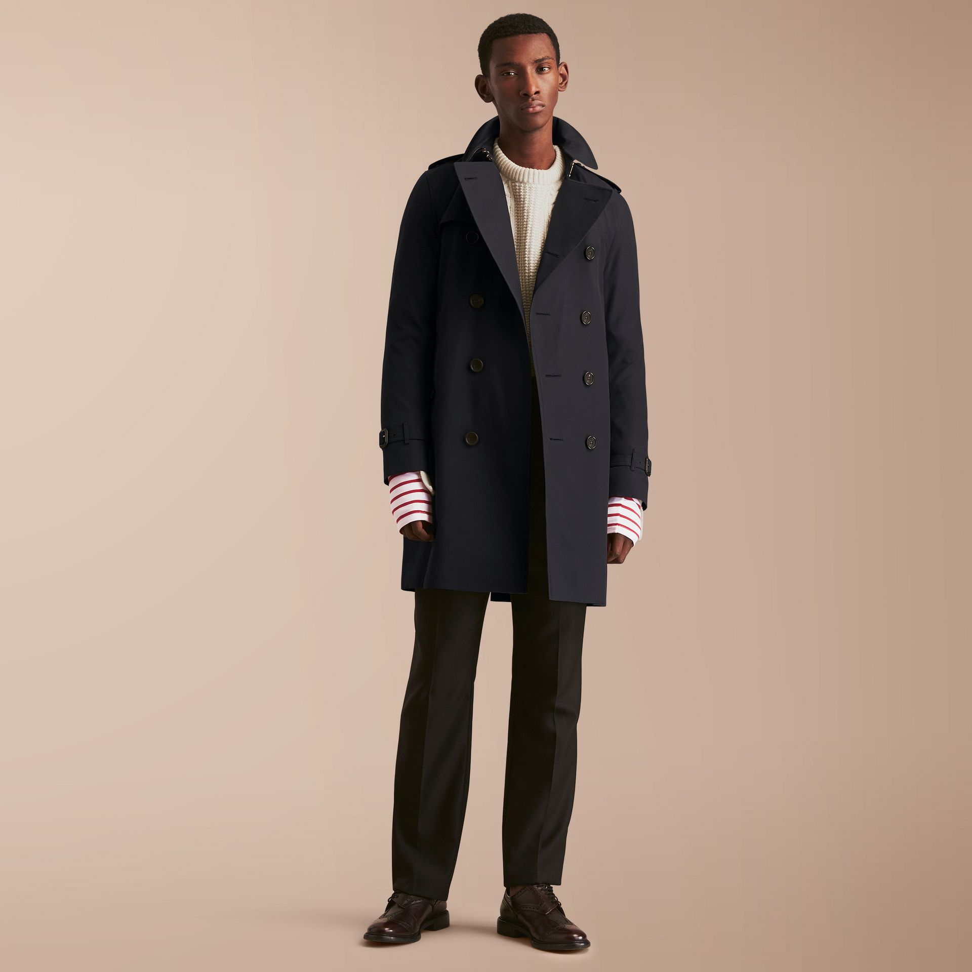 The Kensington – Long Heritage Trench Coat in Navy - Men | Burberry - gallery image 1