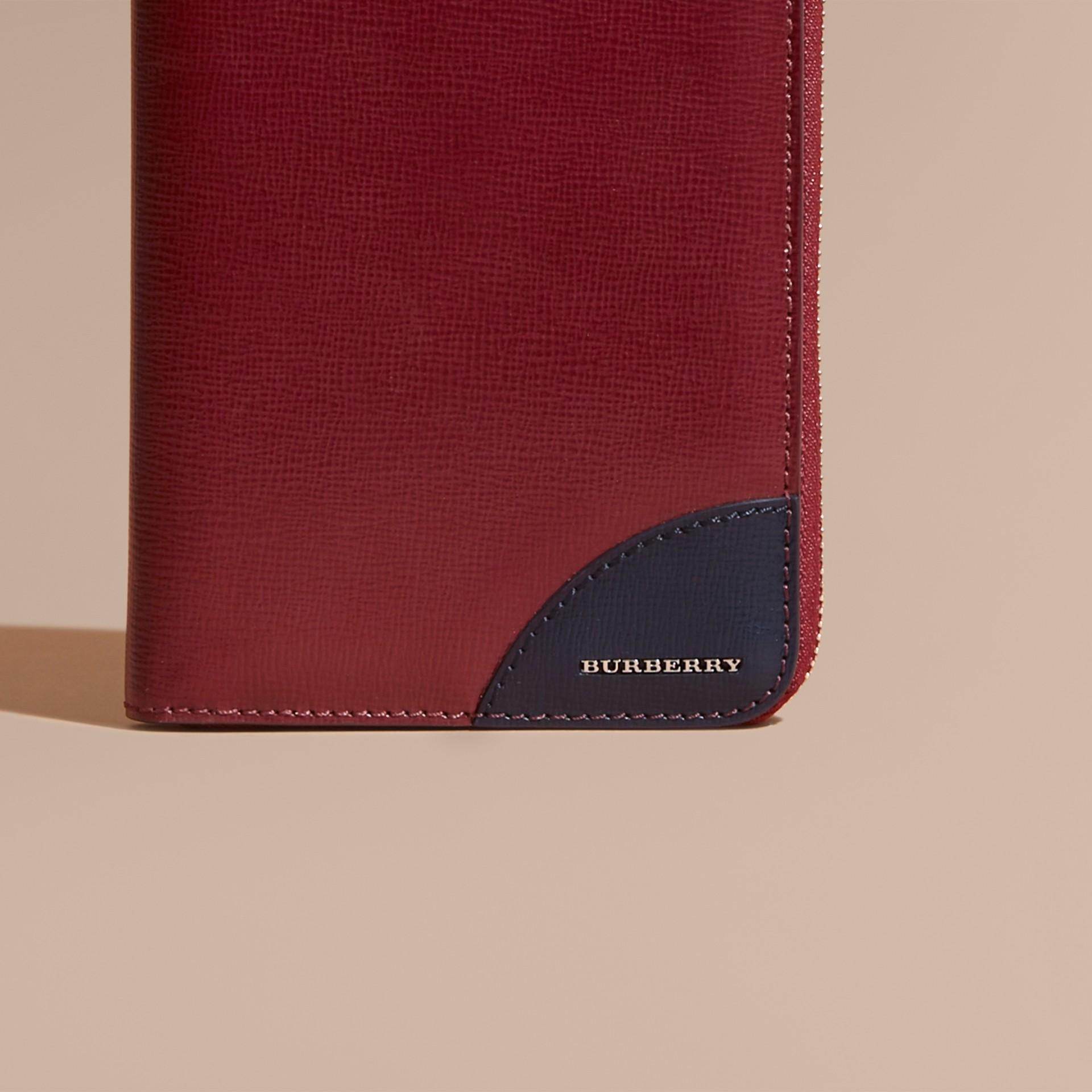 Contrast Corner London Leather Ziparound Wallet in Burgundy Red - gallery image 2