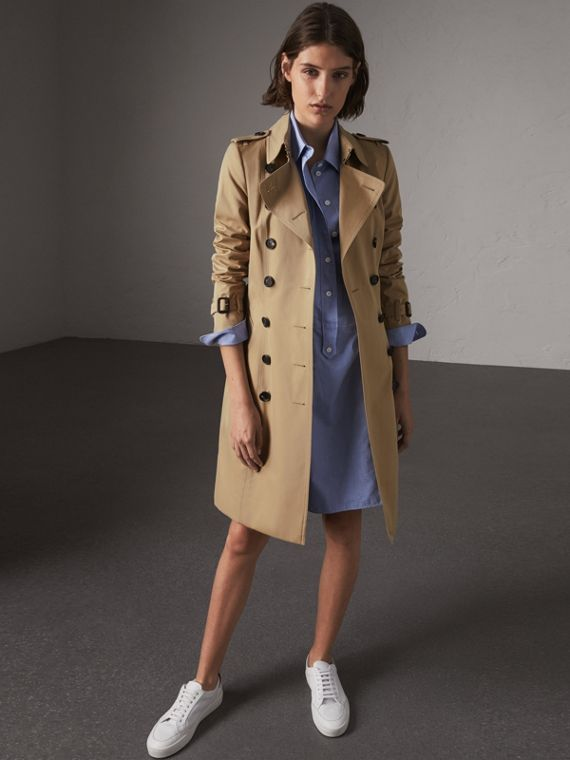 The Chelsea – Long Trench Coat in Honey