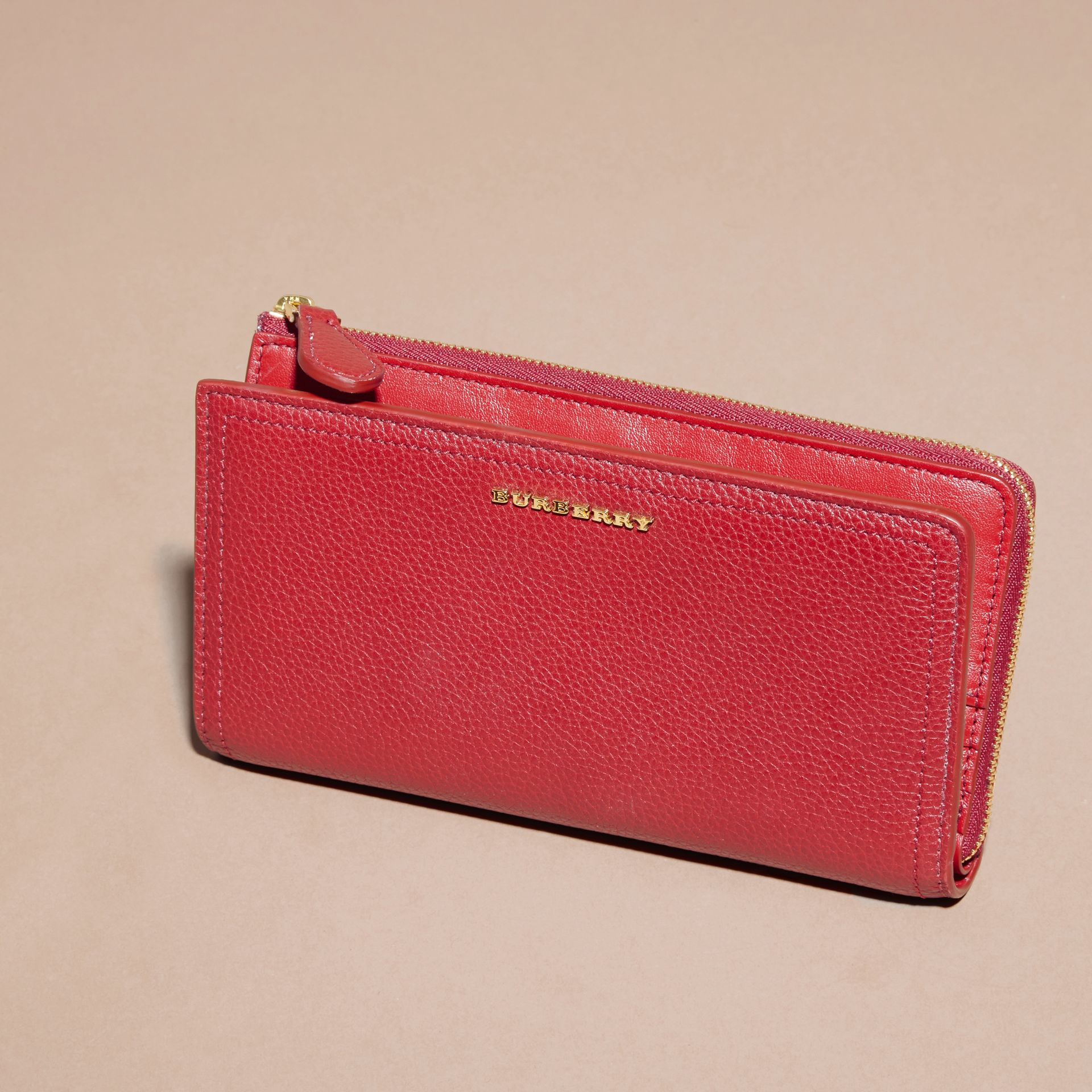 Grainy Leather Ziparound Wallet in Parade Red - Women | Burberry - gallery image 6
