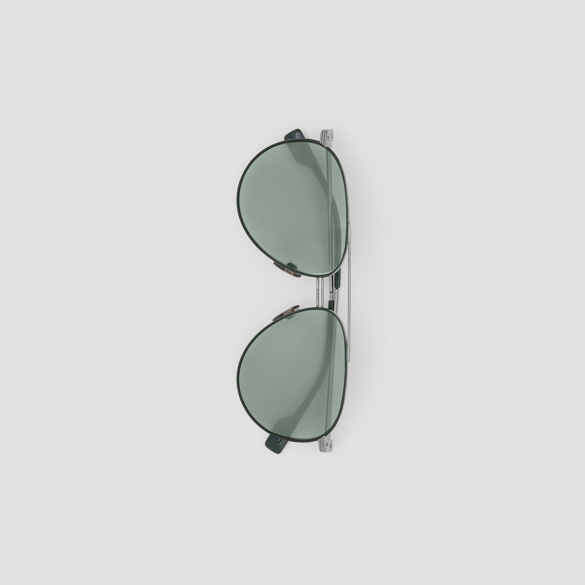 Top Bar Detail Pilot Sunglasses in Gunmetal/dark Green - Men | Burberry United States - gallery image 3