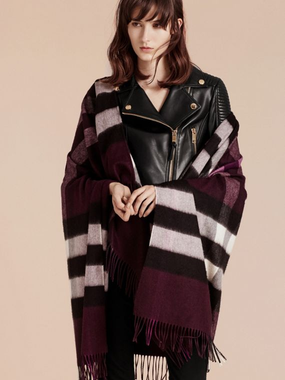 Check Cashmere and Wool Poncho Aubergine - cell image 2