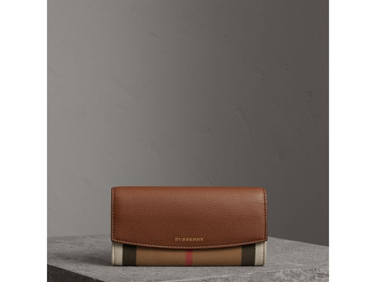 House Check And Leather Continental Wallet in Tan - Women | Burberry Canada - cell image 4