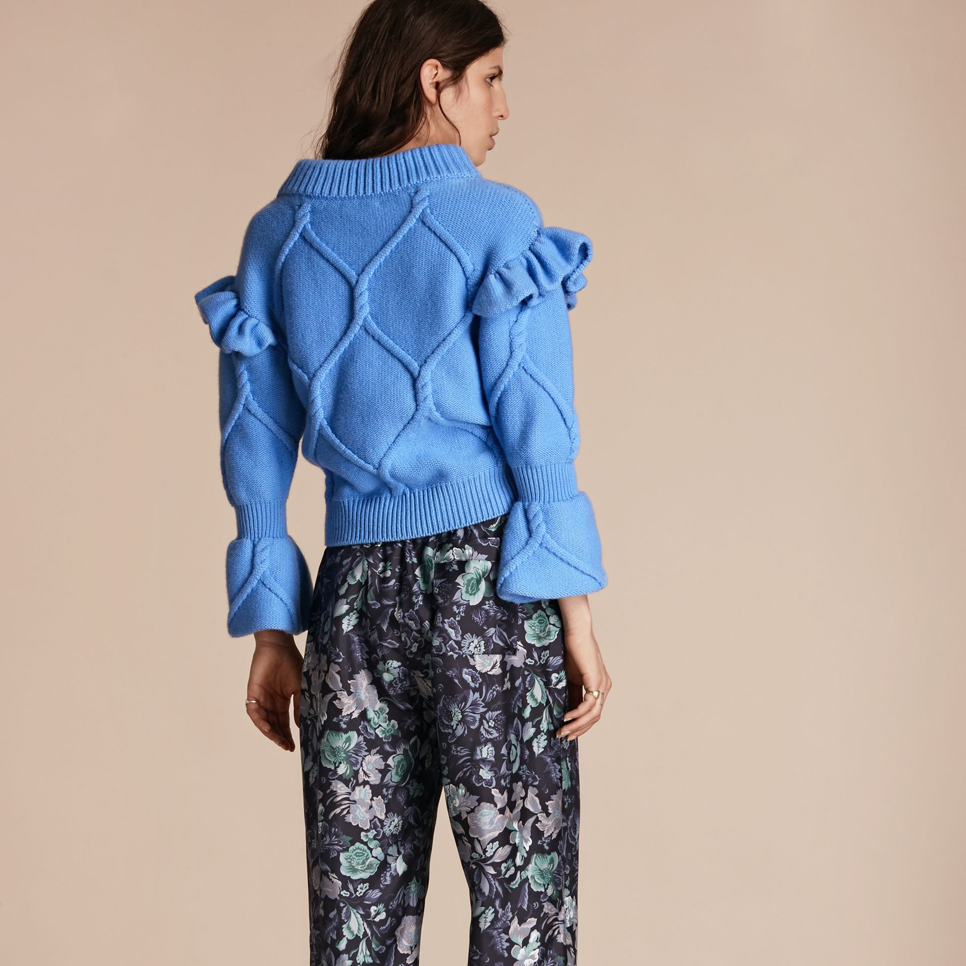 Hydrangia blue Ruffle-sleeved Cable Knit Wool Cashmere Sweater - gallery image 3