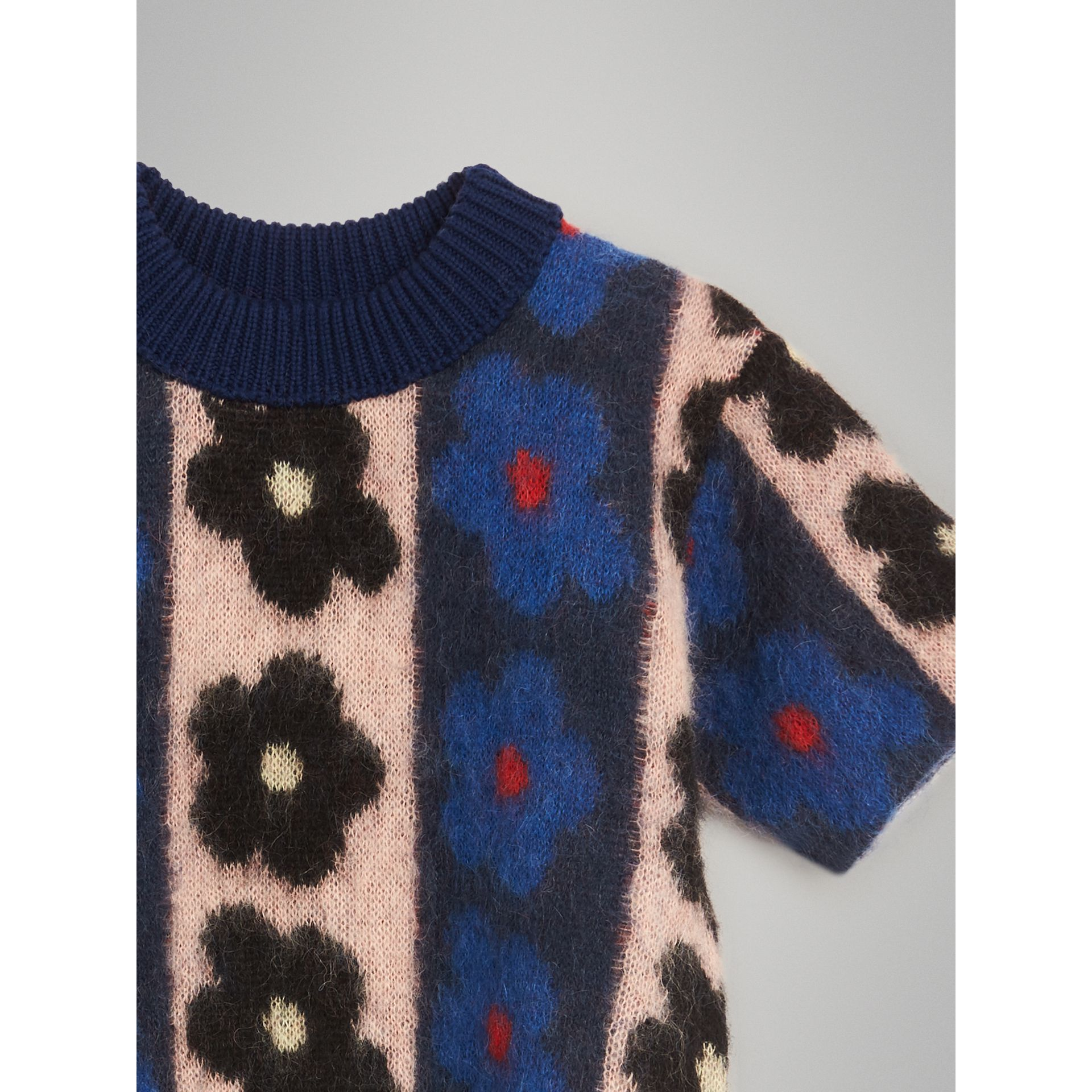 Short-sleeve Flower Intarsia Mohair Blend Sweater in Navy | Burberry - gallery image 4