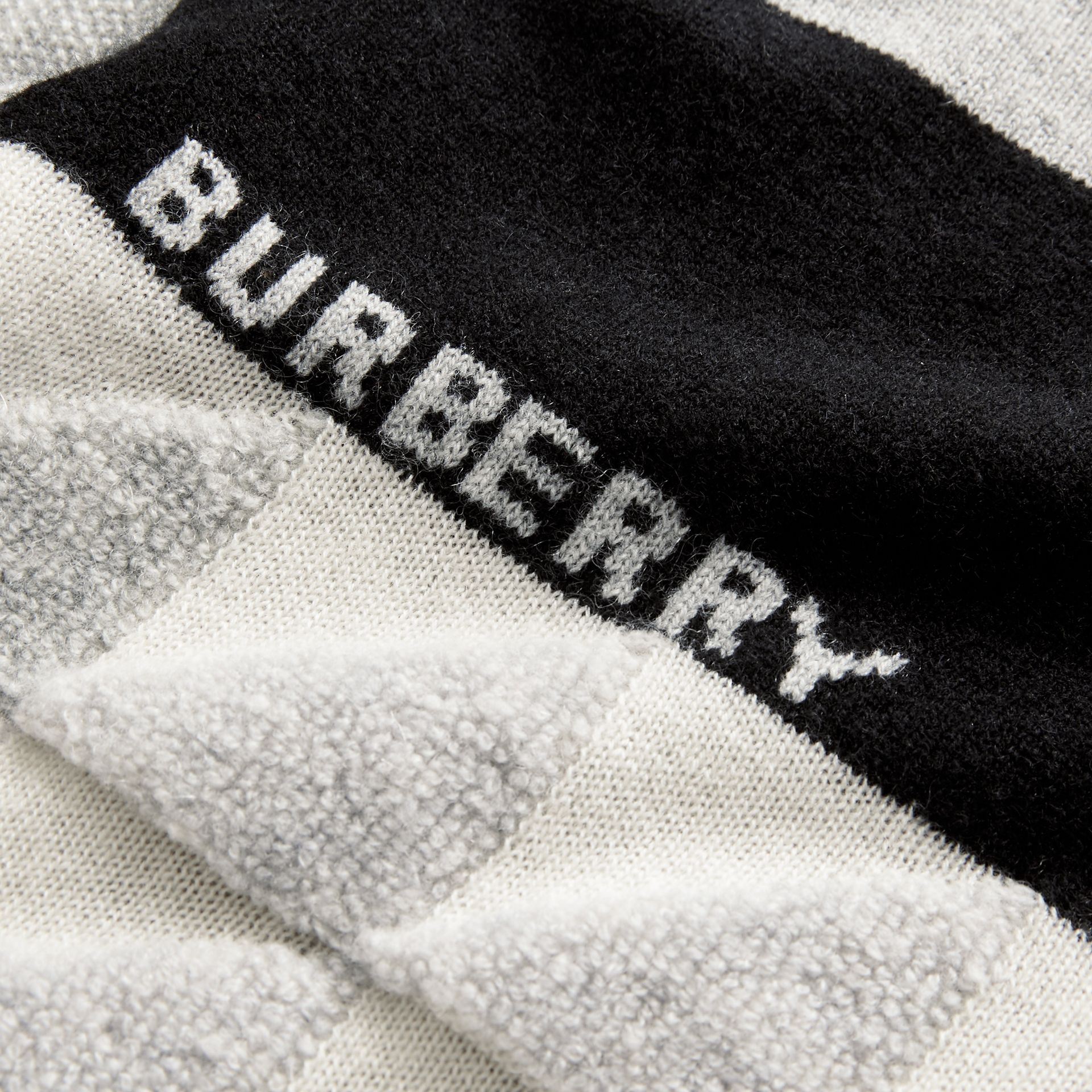 Logo Intarsia Cashmere Sweater in Grey Melange | Burberry - gallery image 4