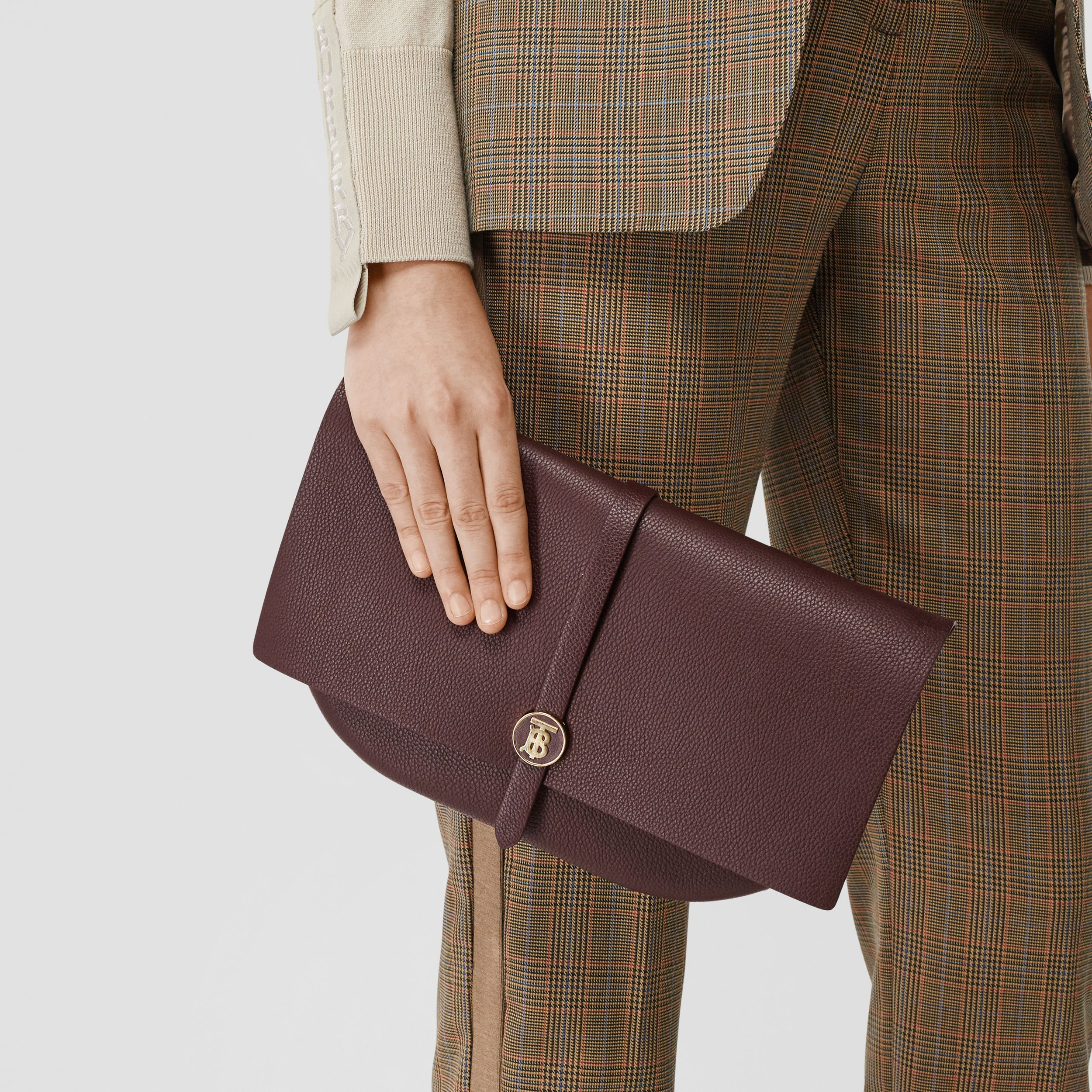 Grainy Leather Anne Clutch in Dark Walnut - Women | Burberry - 3