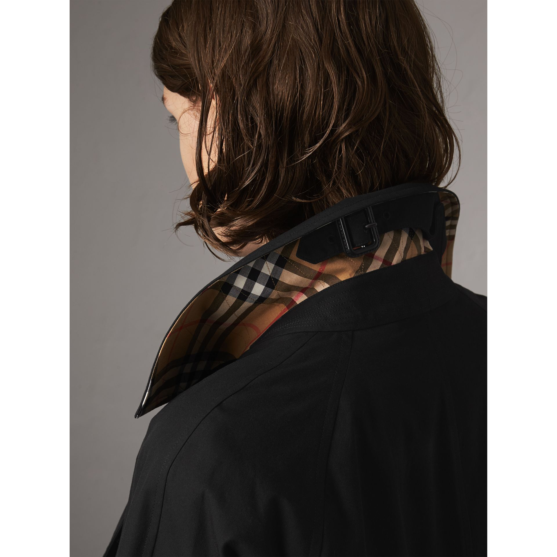The Camden – Mid-length Car Coat in Black - Women | Burberry Australia - gallery image 2