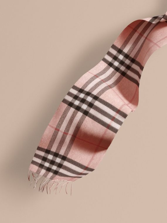 The Classic Cashmere Scarf in Check Rose