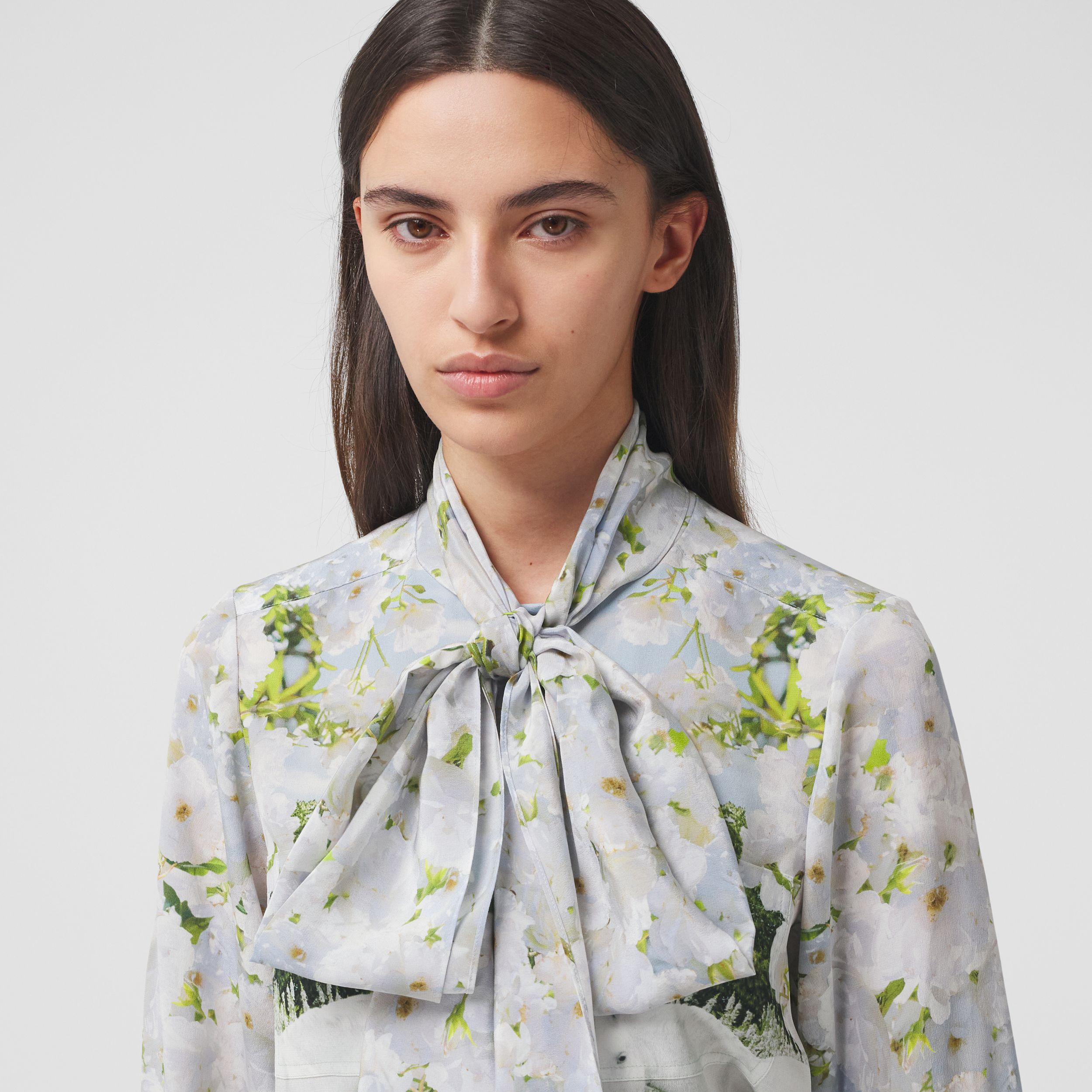Meadow Print Silk Crepe De Chine Pussy-bow Blouse in White - Women | Burberry - 2