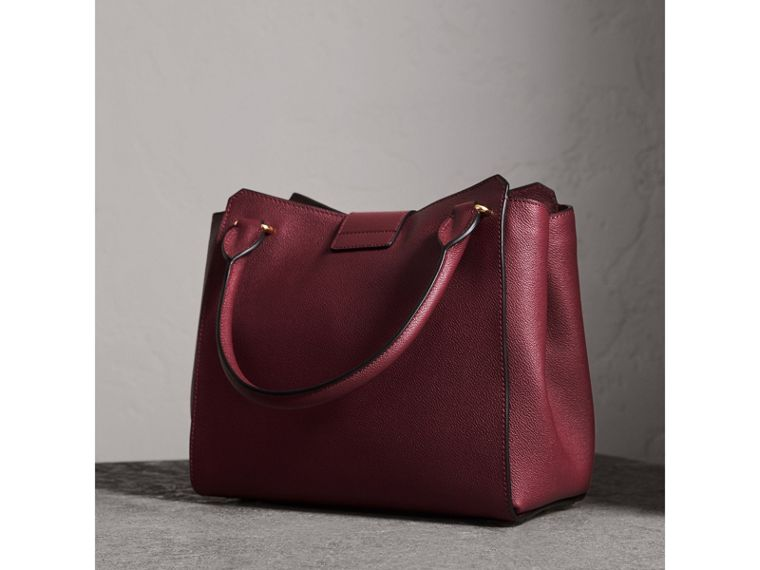 The Medium Buckle Tote in Grainy Leather in Dark Plum - Women | Burberry Australia - cell image 4