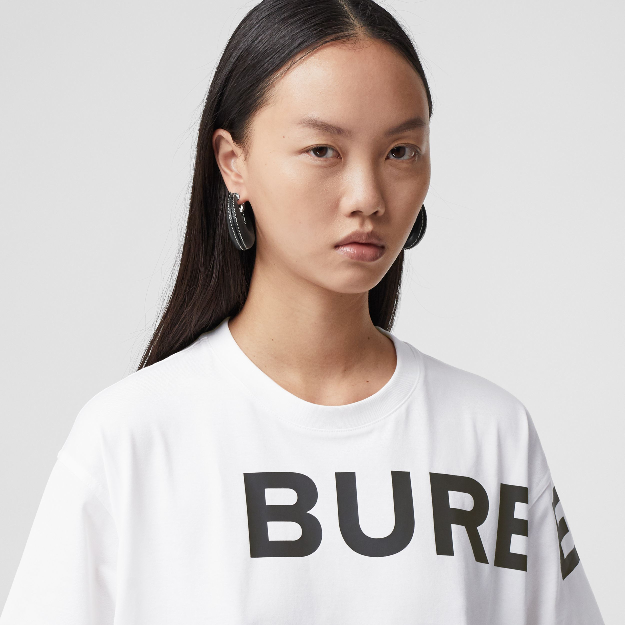Horseferry Print Cotton Oversized T-shirt in White - Women | Burberry Australia - 2