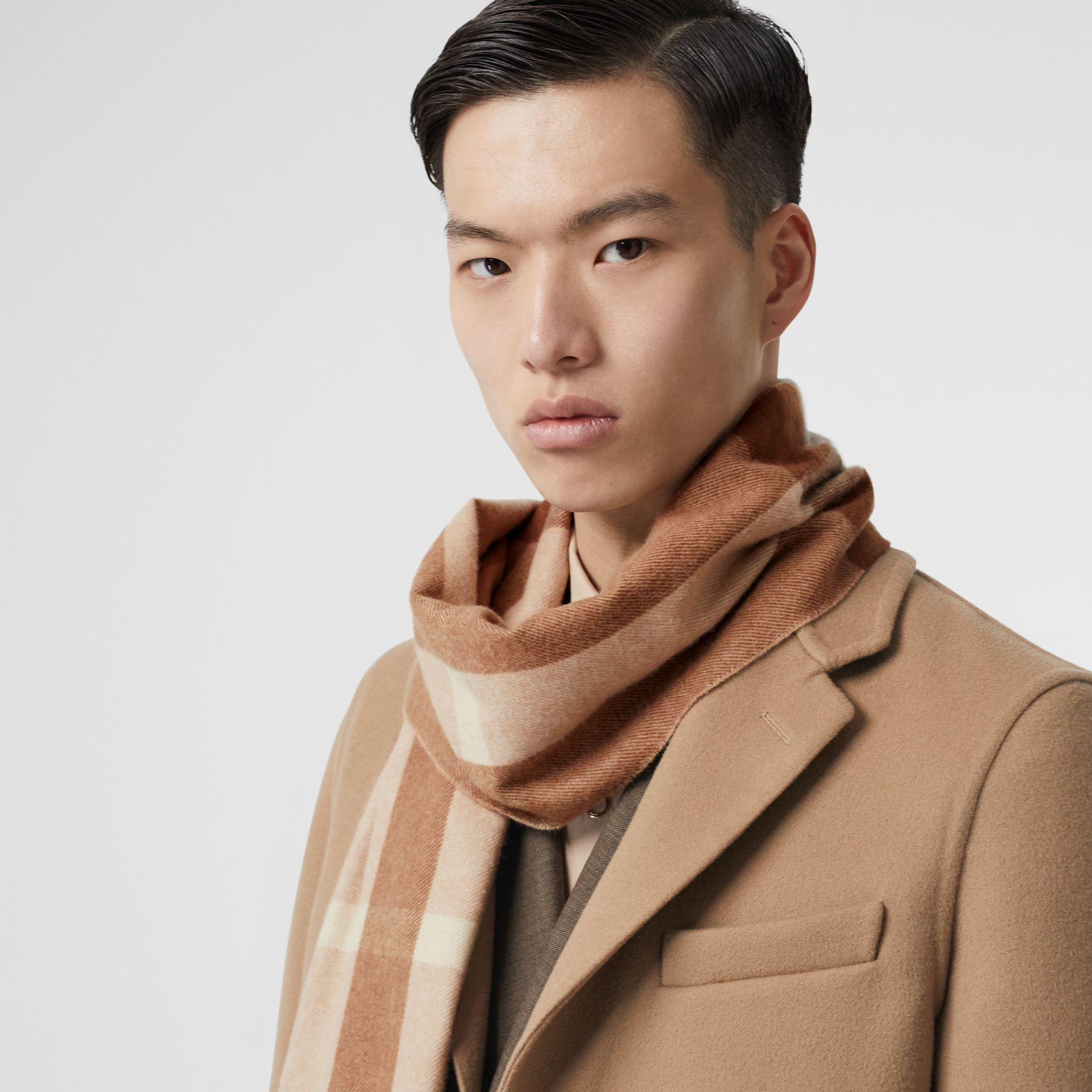 Check Cashmere Scarf in Mid Camel | Burberry - gallery image 3