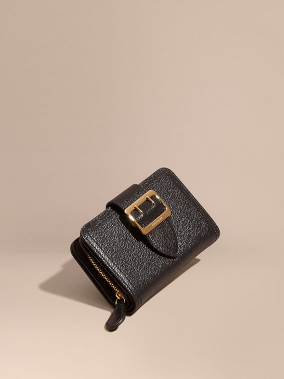 Buckle Detail Grainy Leather Wallet Black