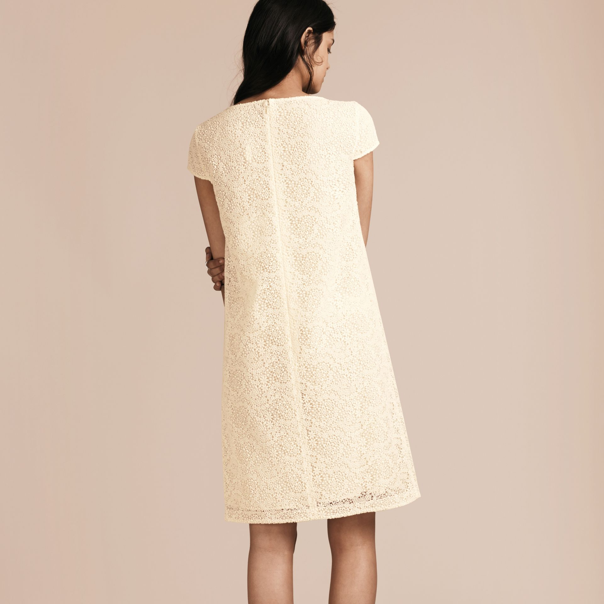 Off white Online Exclusive Italian Lace Shift Dress Off White - gallery image 3