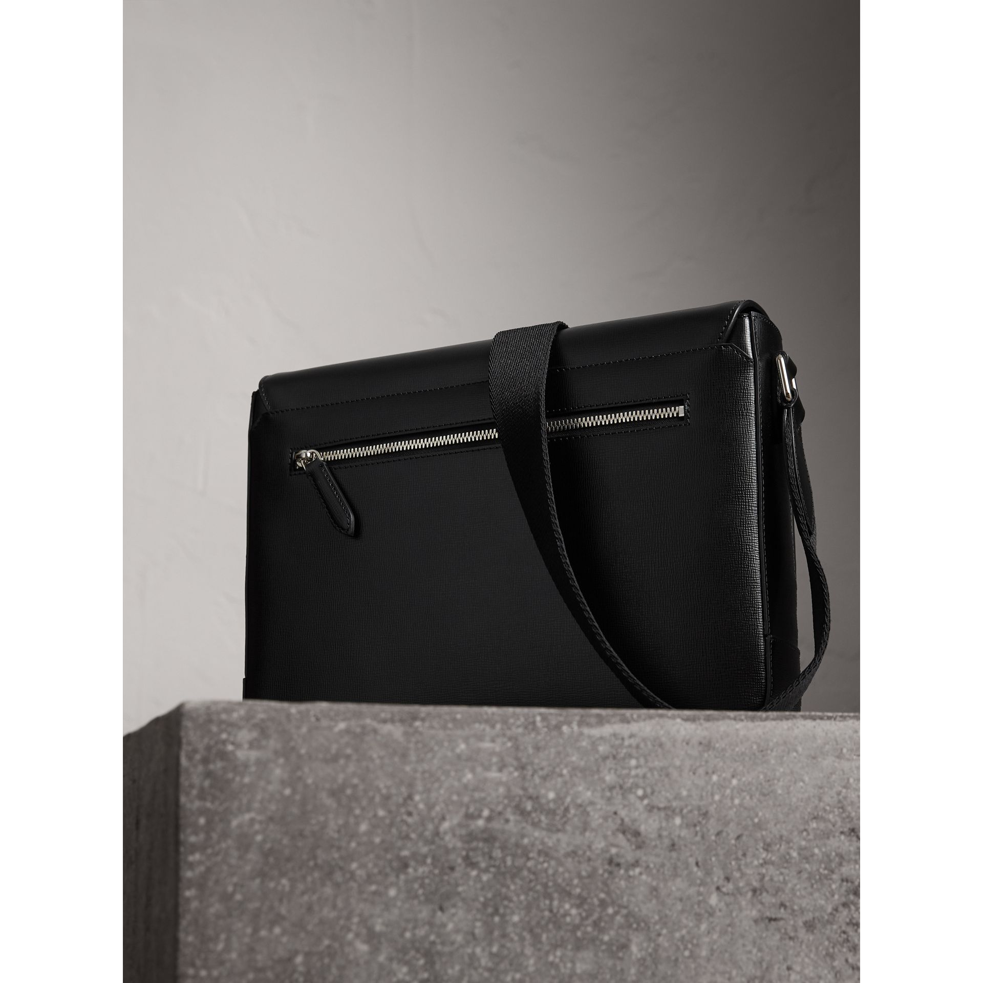 Medium London Leather Messenger Bag in Black - Men | Burberry - gallery image 4