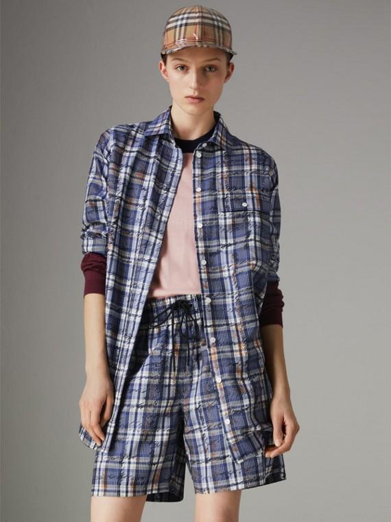 Camisa de seda com estampa xadrez de rabiscos (Azul Marinho/branco)
