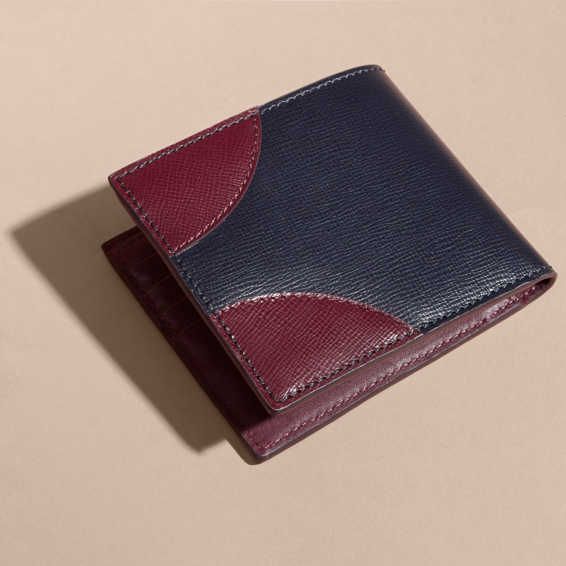Two-tone London Leather International Bifold Wallet Dark Navy - gallery image 3