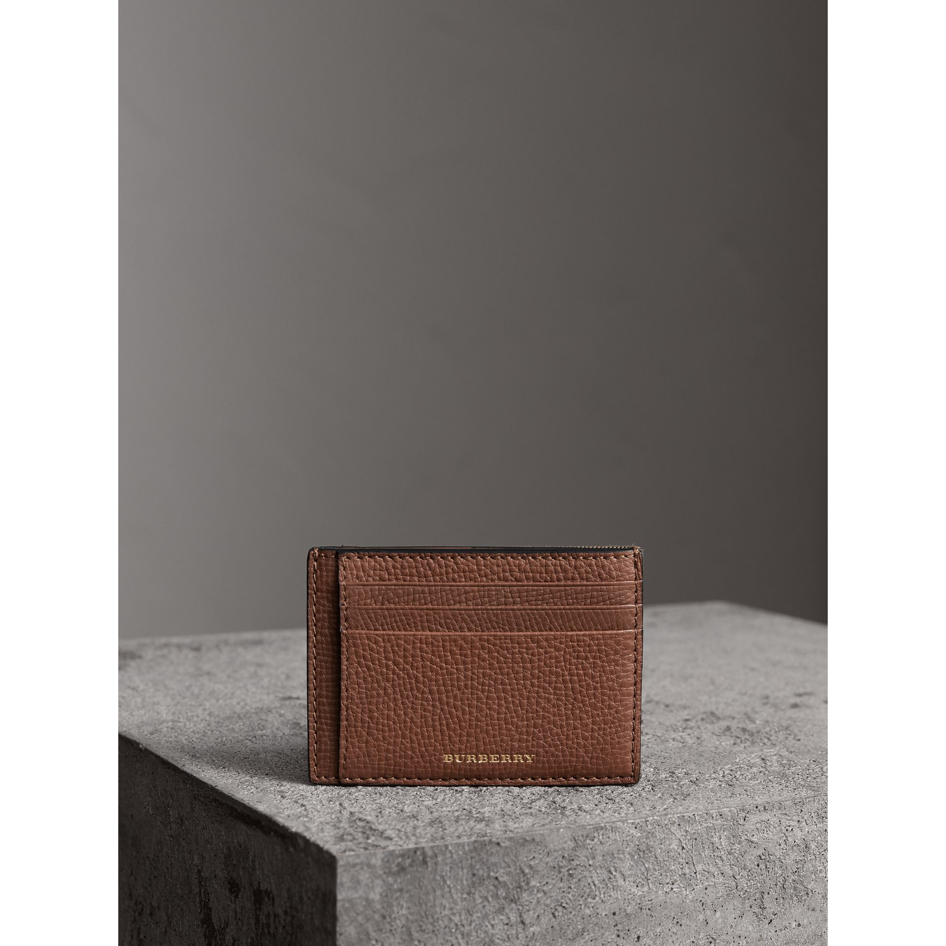House Check and Leather Money Clip Card Case in Chestnut Brown - Men | Burberry United States - gallery image 3