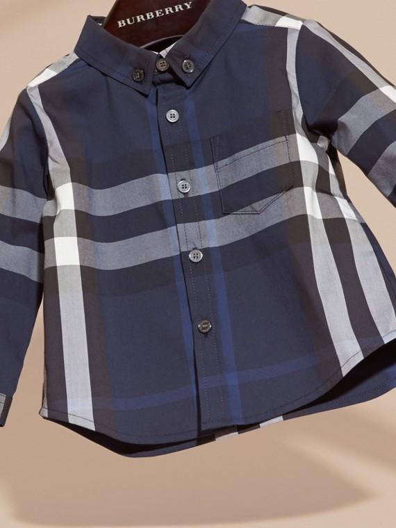 Bleu indigo Chemise boutonnée en coton à motif check Bleu Indigo - cell image 2