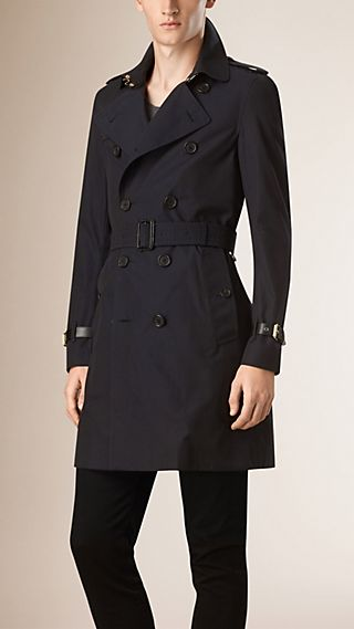 Trench coat in gabardine di cotone con finiture in pelle