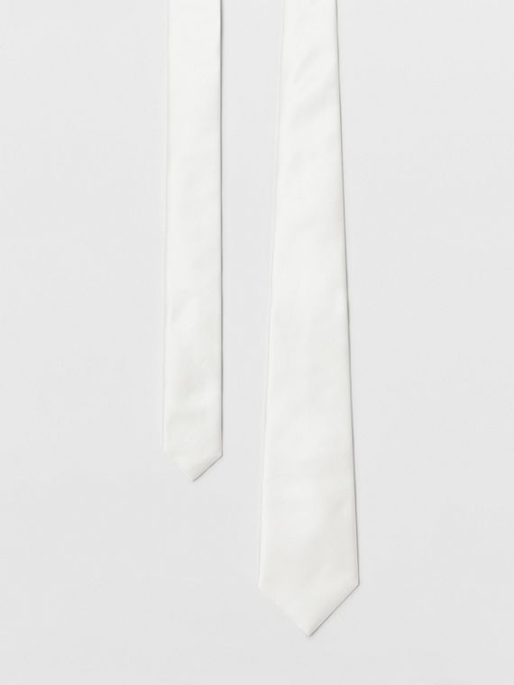 Modern Cut Silk Satin Tie in White