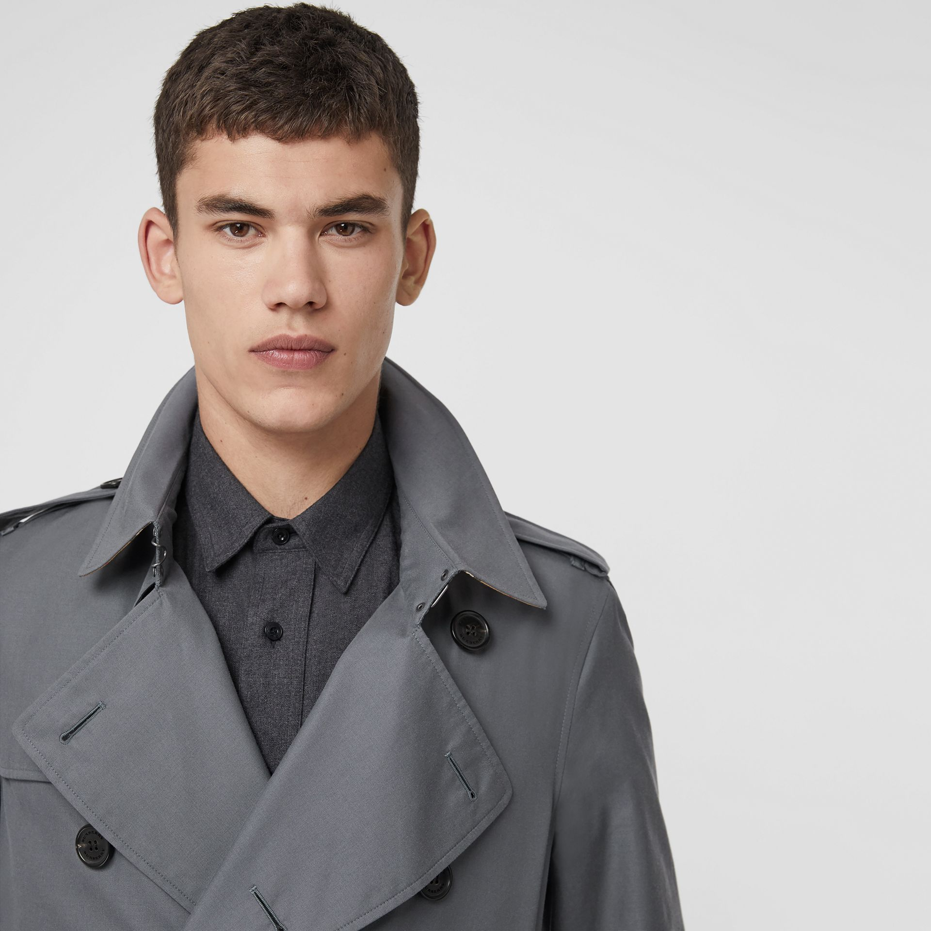 The Chelsea Heritage Trench Coat in Mid Grey - Men | Burberry Canada - gallery image 1