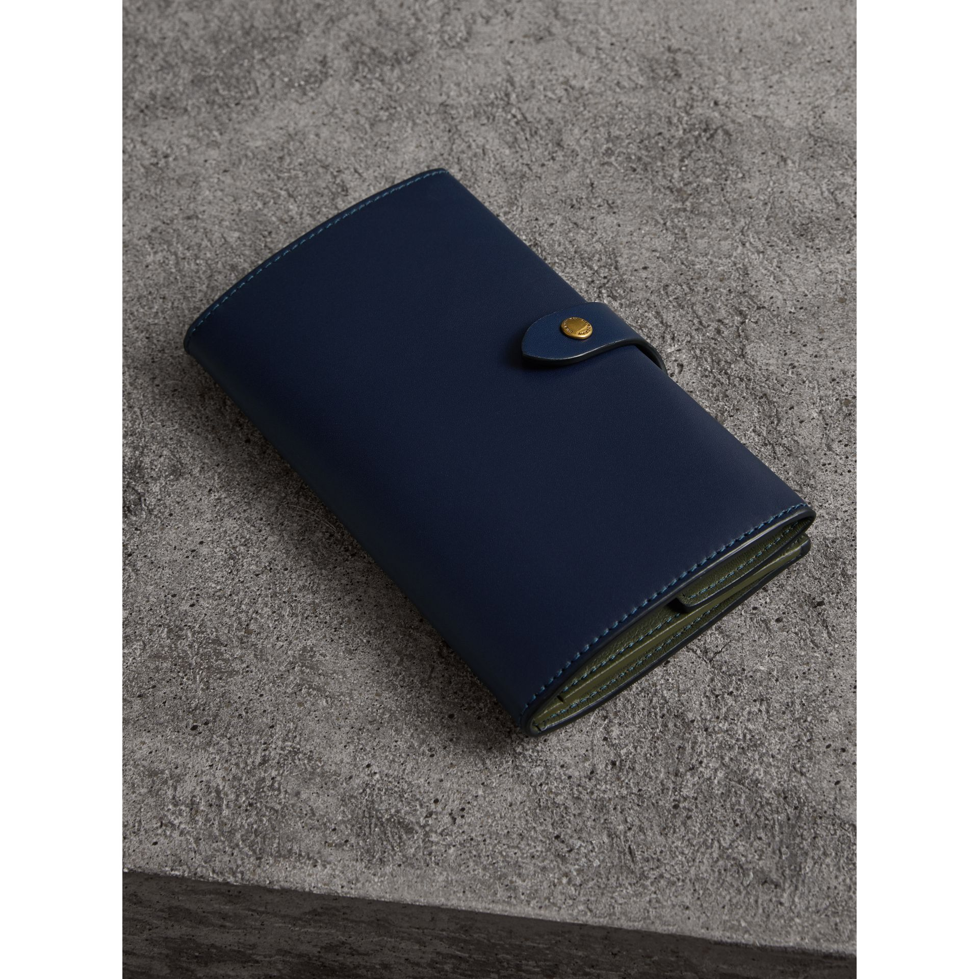 Equestrian Shield Two-tone Leather Continental Wallet in Mid Indigo - Women | Burberry United Kingdom - gallery image 2
